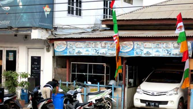 Blue Corner, local food place