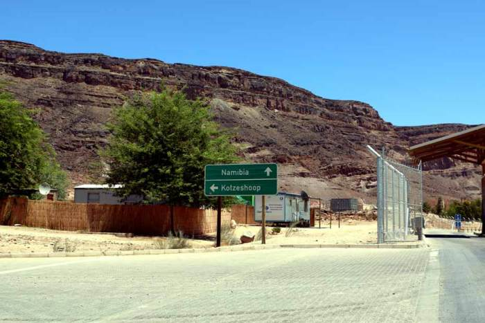 Crossing the border at Noordoewer. Namibia road trip guide Part 1