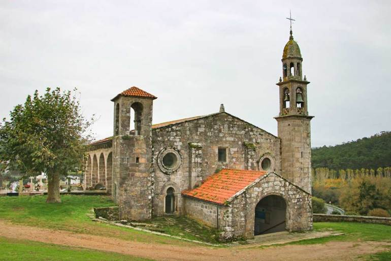A small Galician church on the way to Muxia