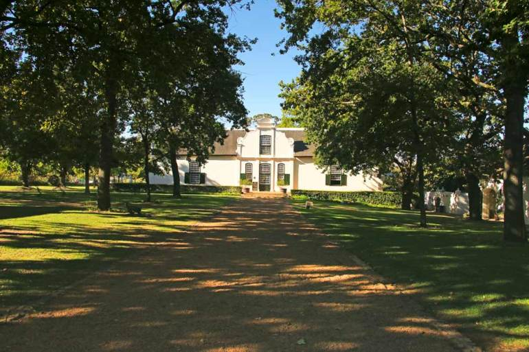A visit to Boschendal wine estate is one of the top things to do for food and wine lovers