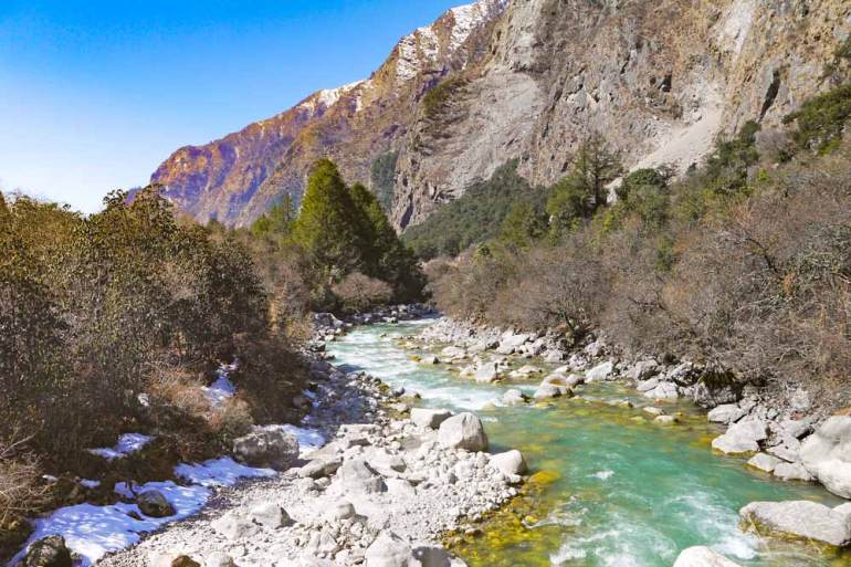 Scenery on the trek on the way to Langtang village