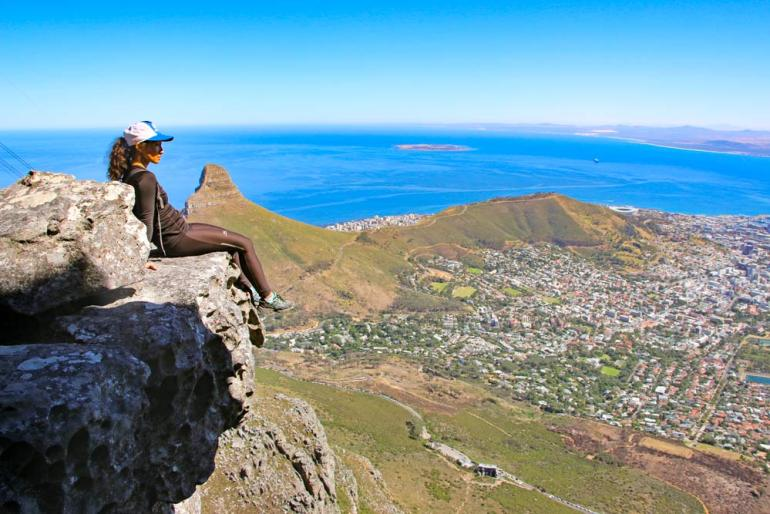 Alya on the cliff on the way up Table Mountain