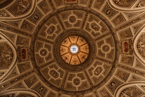 Octagonal dome of the art history museum