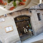 Café de L'Academia: Bratwurst und Bohnen