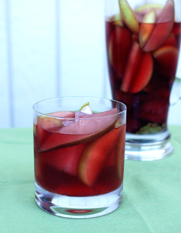 Drunken Apple and Rosé Sangria // stirandstrain.com