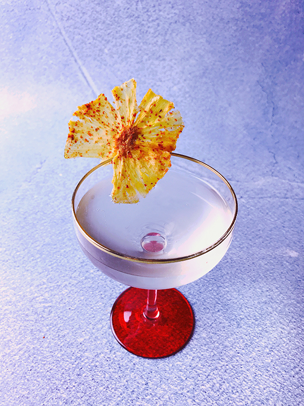 Monday Booze News // Put a pineapple flower on it // stirandstrain.com