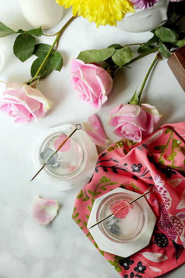 Sparkling Gin Lemonades with Flower- Infused Boozy Gelées for Easter Brunch // stirandstrain.com