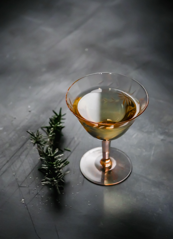 The Fir-Groni Cocktail: a holiday twist on the White Negroni // stirandstrain.com