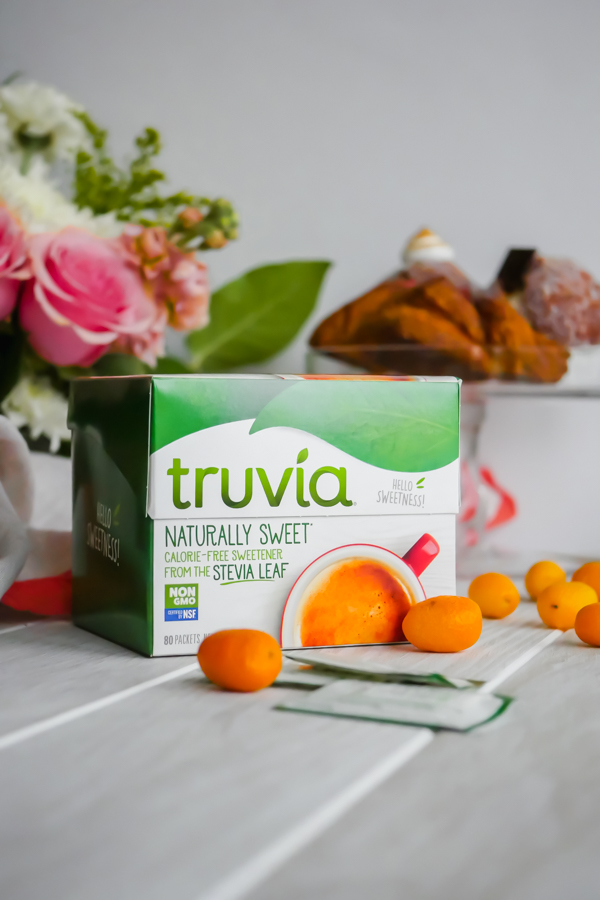 Winter Citrus Sparkling Brunch Cocktail for Two with Truvia // stirandstrain.com