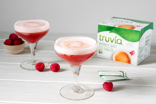 Raspberry Pisco Sour with Truvia // stirandstrain.com