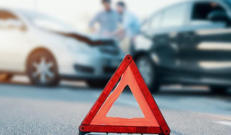 Traficul în prima zi de relaxare: Trei accidente rutiere într-o oră, în această dimineață