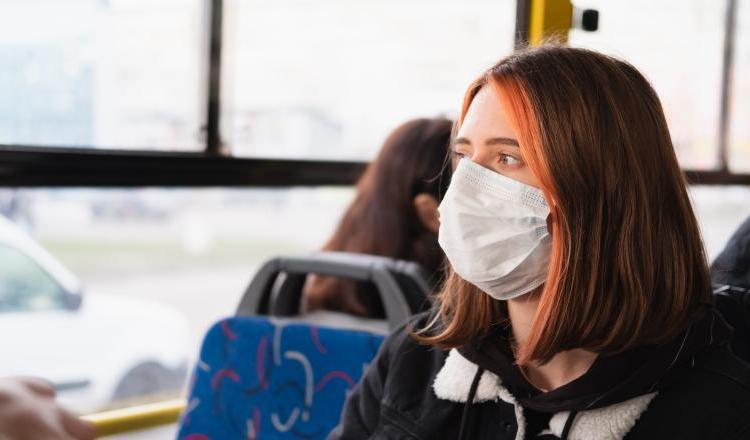 Rafila: Am văzut microbuze pline la maximum. M-am gândit la terase. Unde este riscul mai mare?
