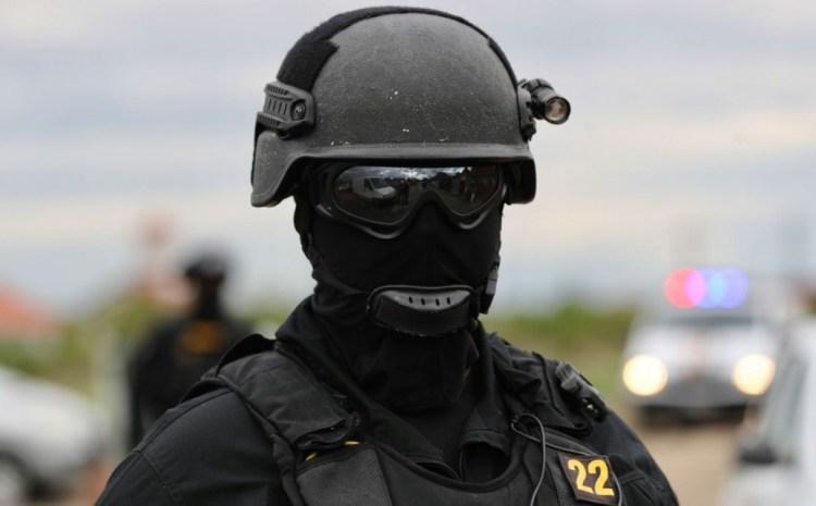 Cămătari din Bistrița, lăsați fără aur și sume uriașe de bani, după o 'vizită' a mascaților