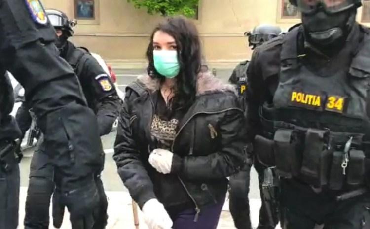 Tânără din Timișoara, bănuită de legături cu teroriștii ISIS: 'Au găsit bombe sub pat?'