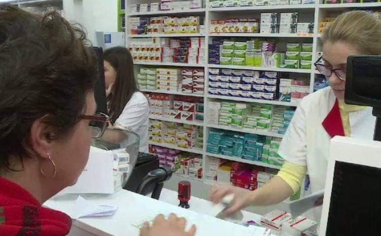 Rețeta care se dă pe sub mână în farmacii pentru lupta cu COVID-19! Asta cumpără ieșenii sfătuiți de medicii din linia întâi
