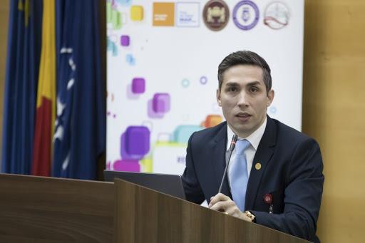 Dr. Valeriu Gheorghiță: Elevii ar putea avea prioritate la vaccinare în etapa a treia