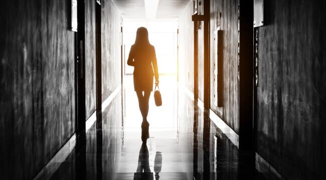 România, fruntașă în UE privind femeile manager. Afacerile mamelor sunt tot mai prospere în online