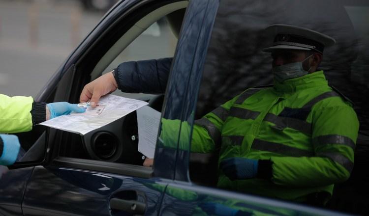 Polițiștii Brigăzii Rutiere au organizat filtre în Capitală. Un tânăr de 20 de ani, depistat drogat la volan