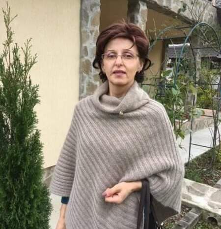 """Are cancer, dar e în prima linie la ATI. Povestea dramatică a Mirelei, asistenta din Câmpulung Moldovenesc: """"Sunt în stadiul 4, dar mai am mult de muncă la spital"""""""