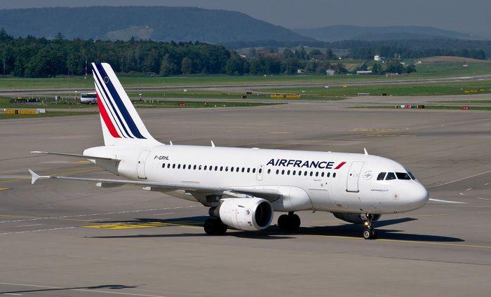 Avion Air France pe pista