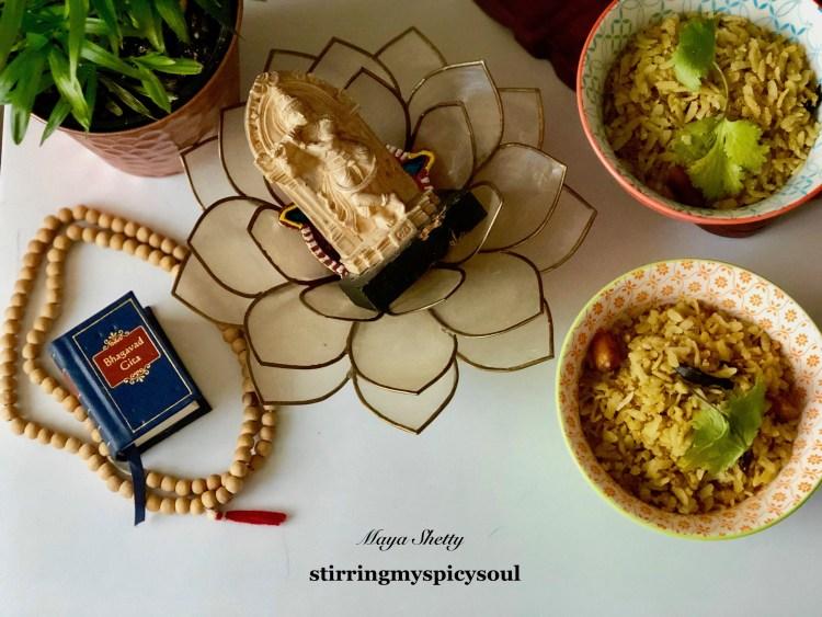 Tamarind Poha/Huli Avalakki (Udupi style) - stirringmyspicysoul