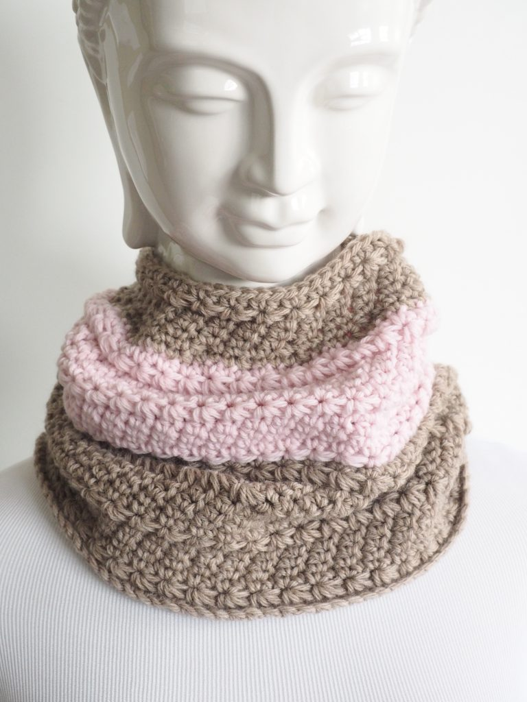 Star stitch neck warmer crochet pattern crochet throw this on whenever you need a little extra layer against the elements and you want to look good doing it were all about easy ways to look great and dt1010fo