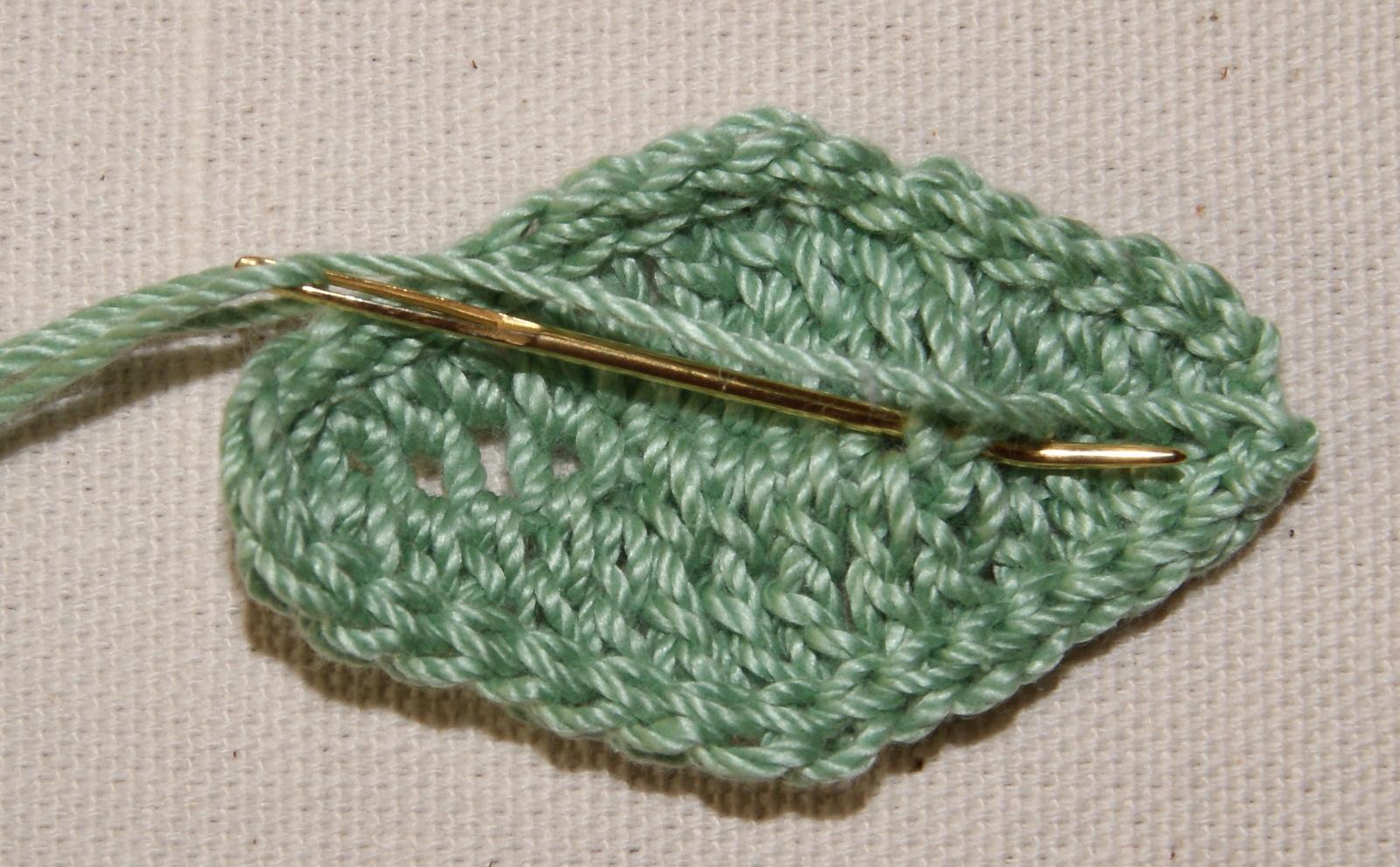 free pattern crochet leaves | Stitch4eveR
