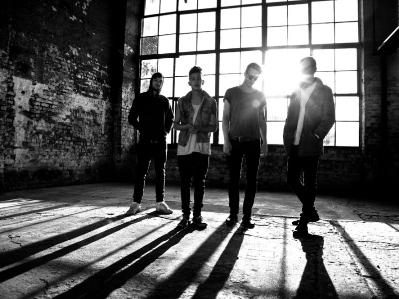 The 1975 sign to Vagrant Records