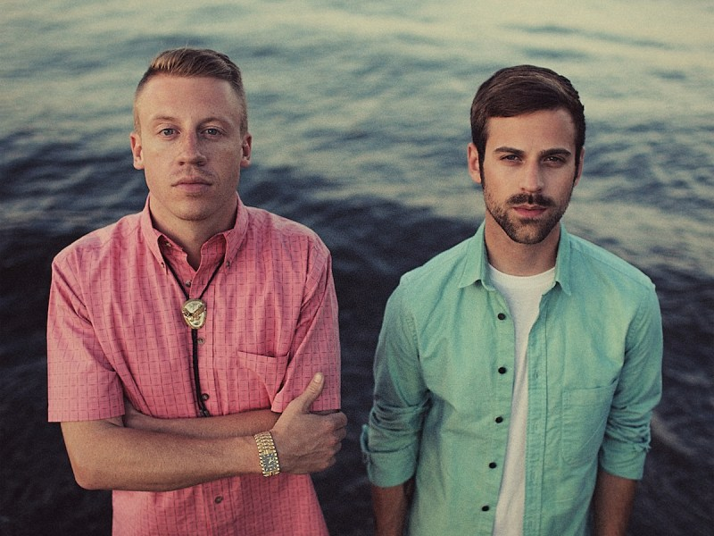 Macklemore and Tegan & Sara Perform Same Love