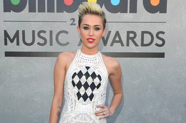 Miley Cyrus Hospitalized For Allergic Reaction