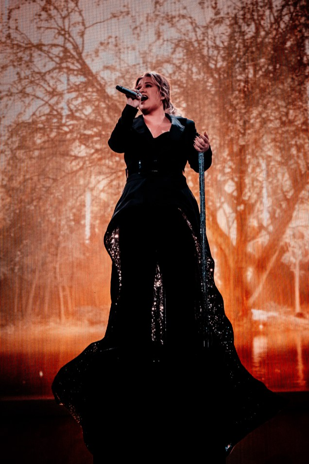 Kelly Clarkson 23