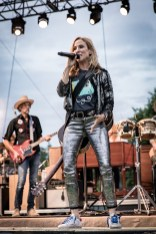 Sheryl Crow Laurel Live 03