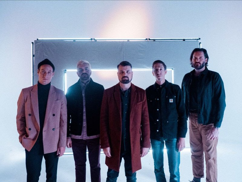 "ALBUM REVIEW: Silverstein's ""A Beautiful Place to Drown"" revitalizes post-hardcore with some new elements"