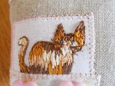 cat-house-pincushion-2