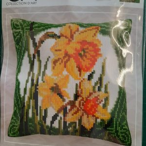 DAFFOLDI CROSS STITCH CUSHION KIT