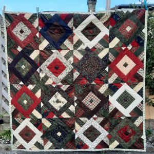 CHRISTMAS DIAMOND QUILT
