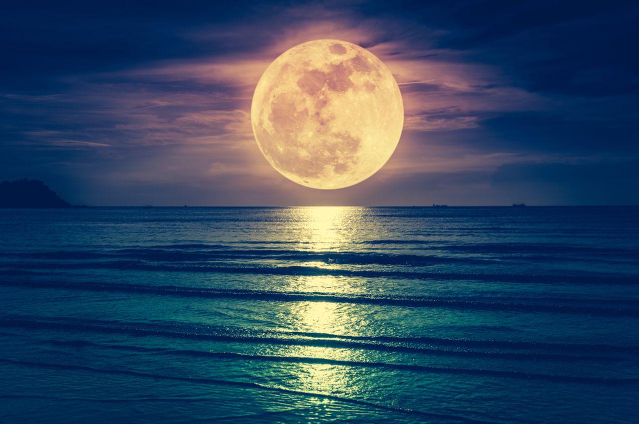 "Read more about the article Πανσέληνος Ιουλίου 2021: Το Σάββατο το ""Φεγγάρι του Ελαφιού""(εικόνες)"