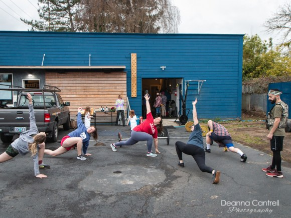 Crossfit Blue House class outdoors
