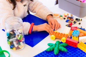 lego-working-hands