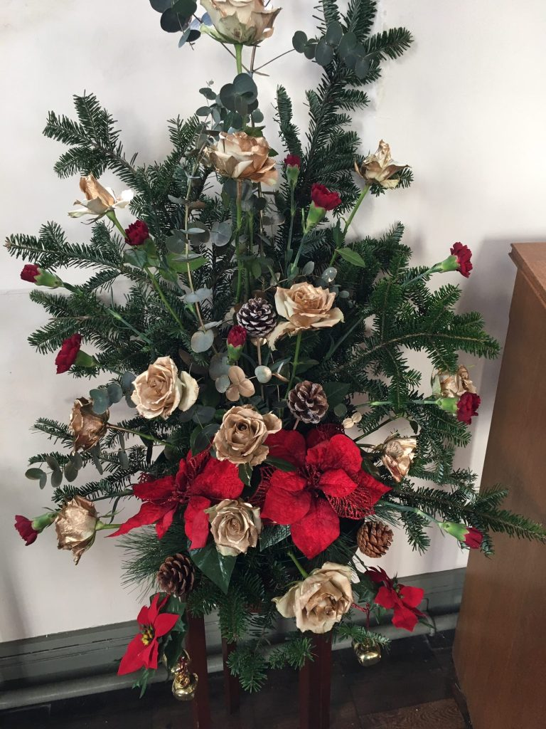 Seasonal flower display for Advent and Christmas