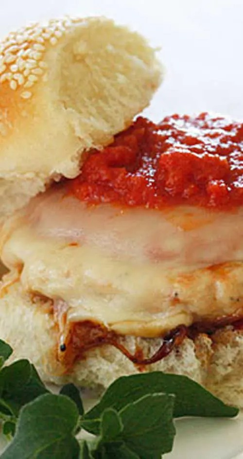 Recipe for Chicken Parmigiana Burgers - A quick lunch or weeknight meal ready in less than 10 minutes your whole family will enjoy!