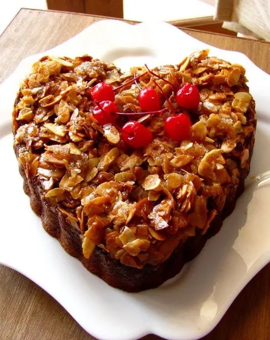 ALMOND_CRUNCH_CAKE