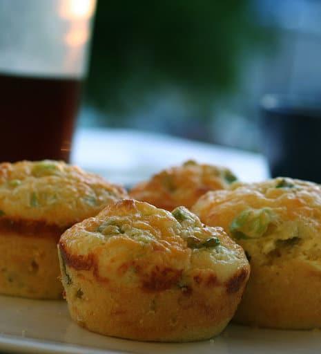 cheddar_and_green_onion_cornbread_muffins