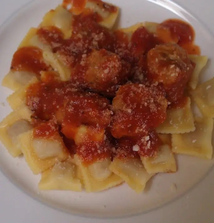 Baby_Meatballs_and_Mini_Ravioli