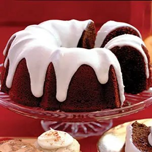 Festive_Chocolate_Chip_Gingerbread_Cake