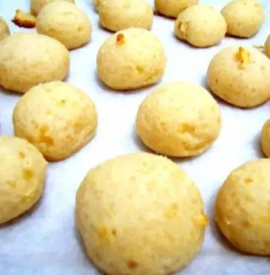 Ridiculously easy brazilian cheese bread recipe stl cooks recipe for ridiculously easy brazilian cheese bread these little baked cheese balls are a popular forumfinder Image collections