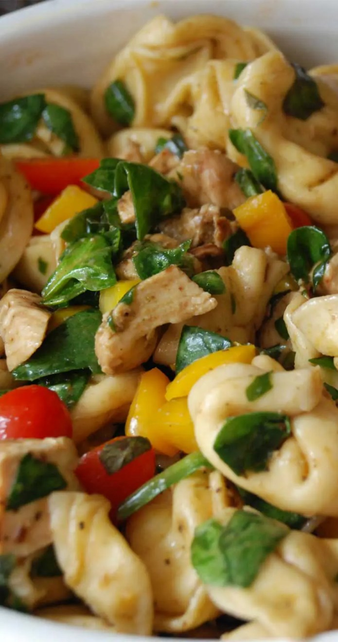 This Balsamic Chicken Spinach and Tomato Pasta Salad is a great dish which has been eaten in my house as a side dish and as a main dish.  I hope you find it as delicious as my family does! #pasta #chicken #salad #dinnerideas