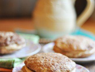 Recipe for Biscoff Buttercream Snickerdoodle Whoopie Pies