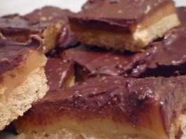 This is a wonderful dessert that blends smooth chocolate, rich Dulce de Leche and sweet shortbread in one perfect taste. It can be prepared ahead, frozen, and served when you need it – to the delight of family and friends.