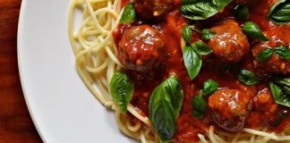 Recipe for Spaghetti and Spicy Meatballs